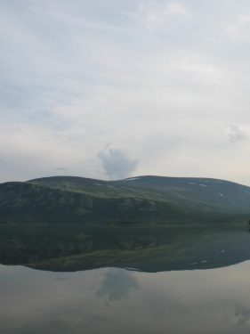 За горой прятался куйва с дубинкой (Ловозерье 2009)